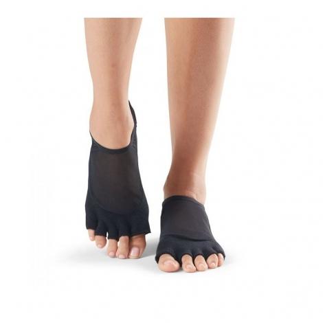 half-toe-luna-grip-socks2